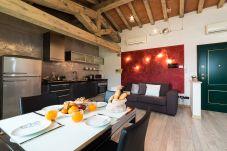 Apartment in Desenzano del Garda - 004  suite of lake