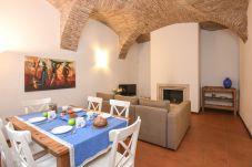Apartment in Moniga del Garda - Appartamento Azzurro