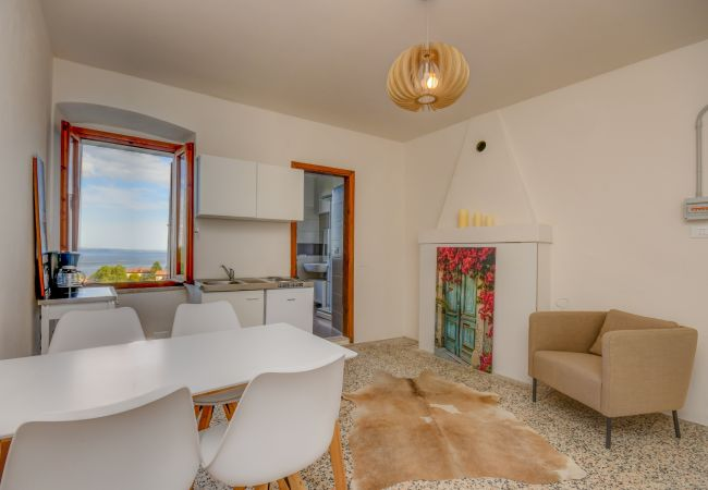 Apartment in Manerba del Garda - Maximilian