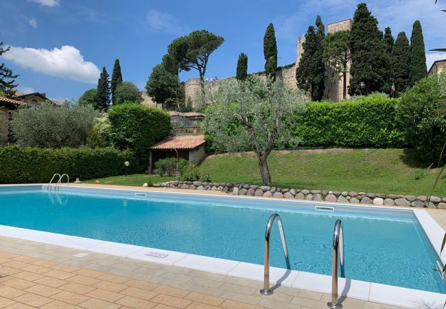 Apartment in Moniga del Garda - Alloro