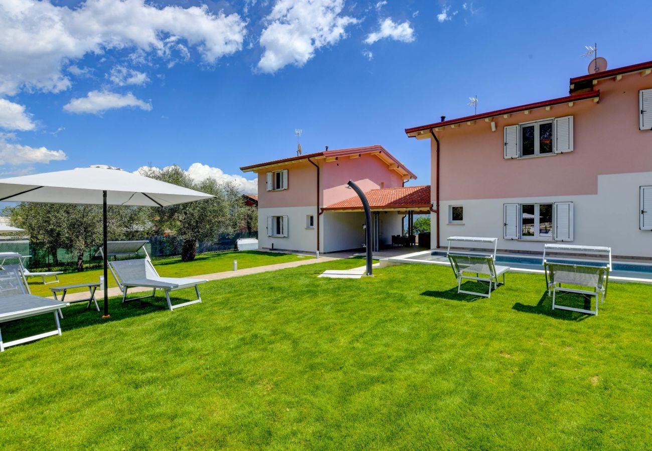 Villa a Toscolano-Maderno - Le Casette - Leccino
