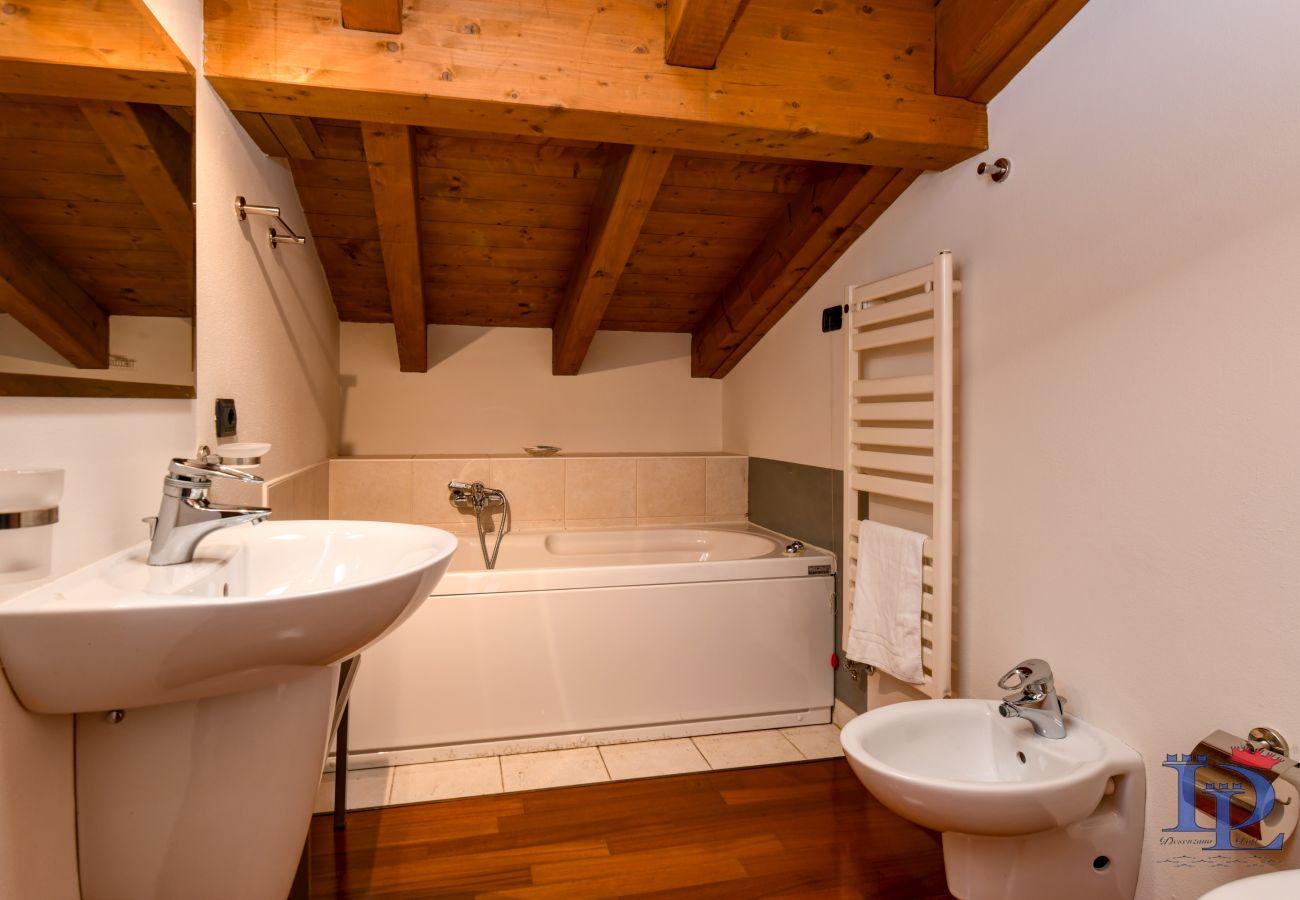 Ferienwohnung in Desenzano del Garda - 16 PARADISE LAKE VIEW WITH 5 SWIMMING POOL