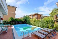 Ferienwohnung in Desenzano del Garda - 45 - Garden and Pool in Desenzano centrum