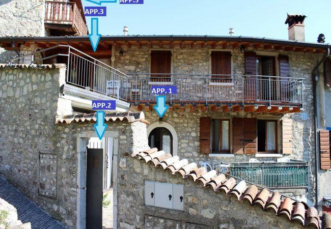 Ferienwohnung in Gargnano - Rustico Pietre Antiche 1