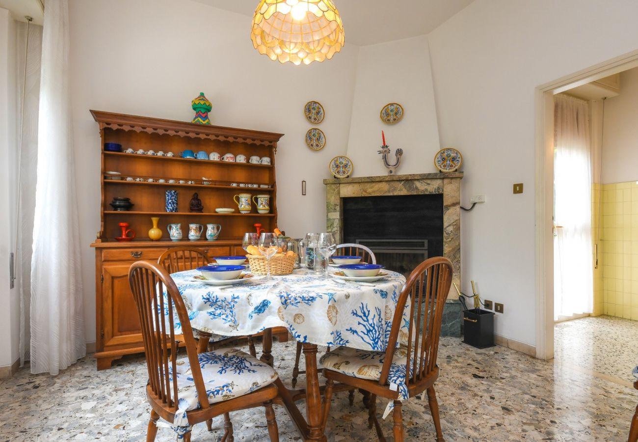 Villa in San Felice del Benaco - Lakeside Villa