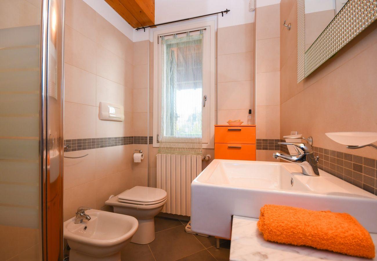 Chalet in Moniga del Garda - Villa Orange Moniga