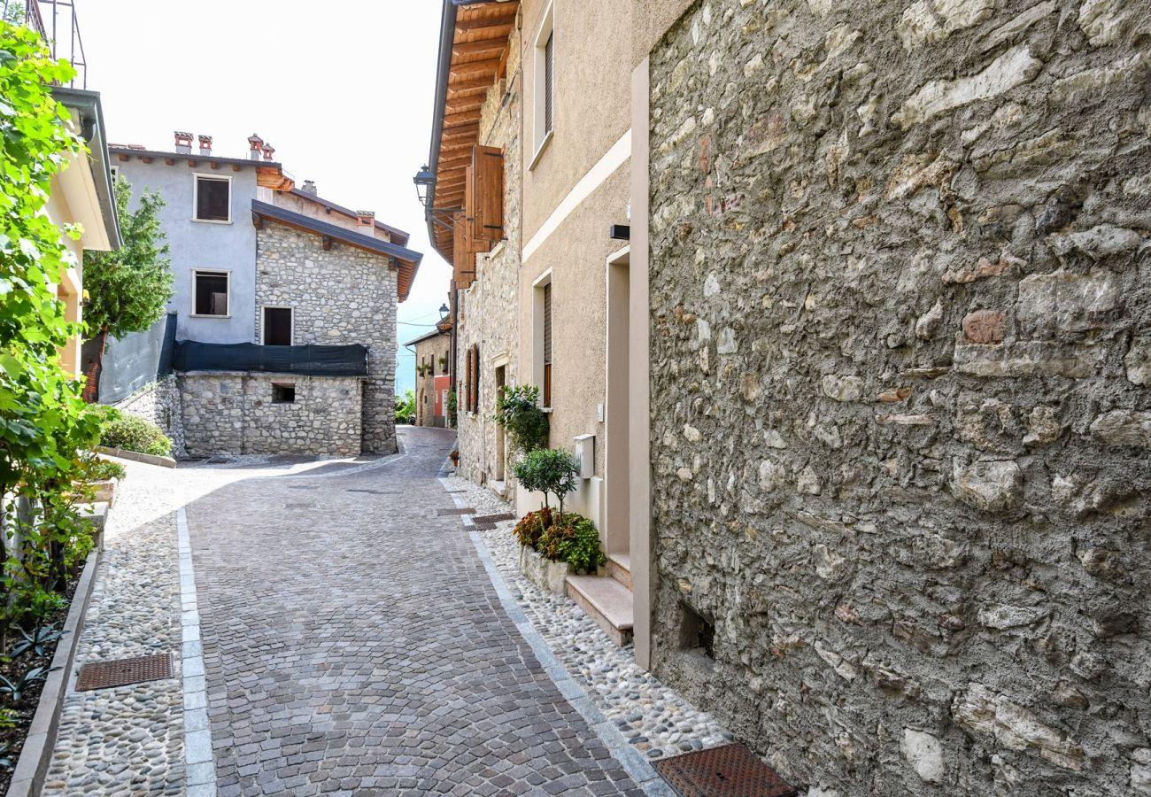 Ferienwohnung in Tignale - Rustico Minichètto - Il Campanile