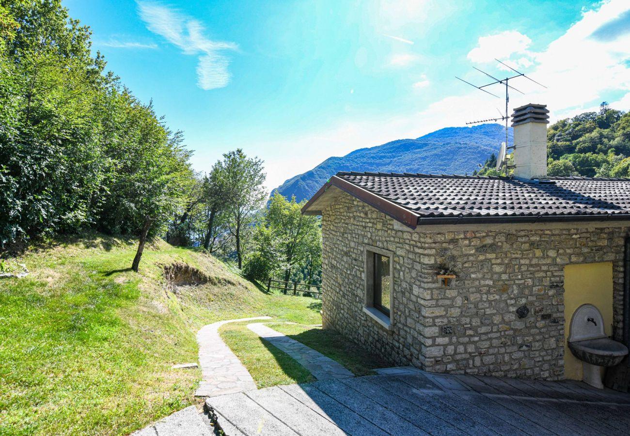Ferienhaus in Tignale - Malga Mary